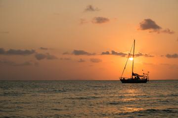 Setset sailling boat