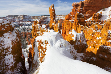 Snow; Arch, Bryce National Park, Utah