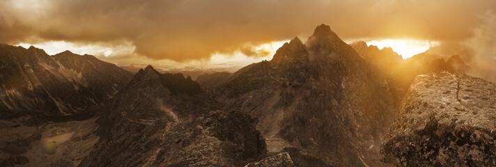 Obraz Panoramic view of high Tatra mountain peaks. - fototapety do salonu