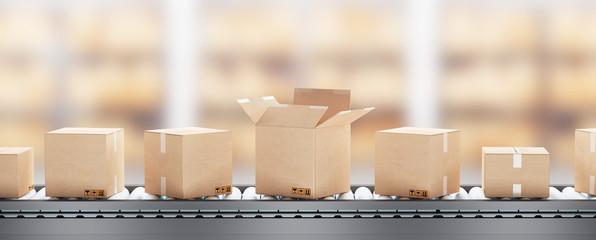 Scatole o pacchi su nastro trasportatore con pacco aperto