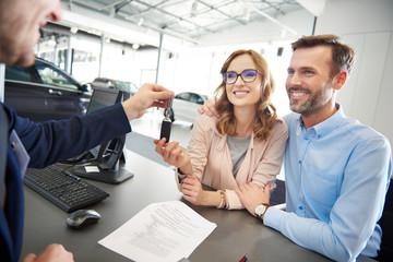 gmbh firmenwagen kaufen oder leasen gmbh anteile kaufen finanzierung success laufende gmbh kaufen gmbh firmenmantel kaufen