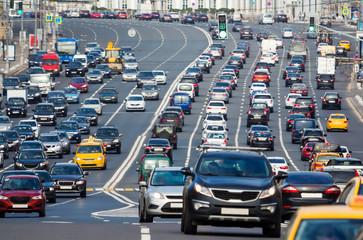 Traffic on the multilane street