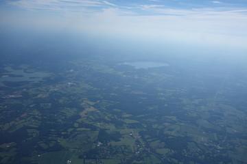 緑の大地を空撮