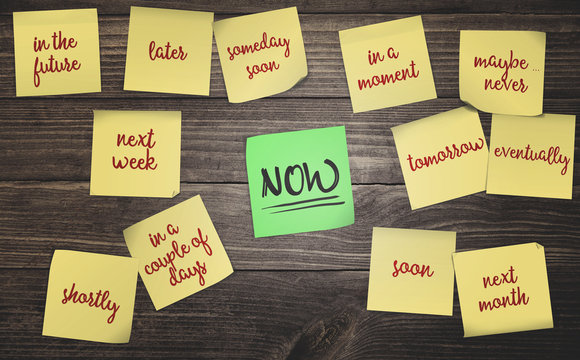 sticky notes on rustic wood background concept for time management procrastination