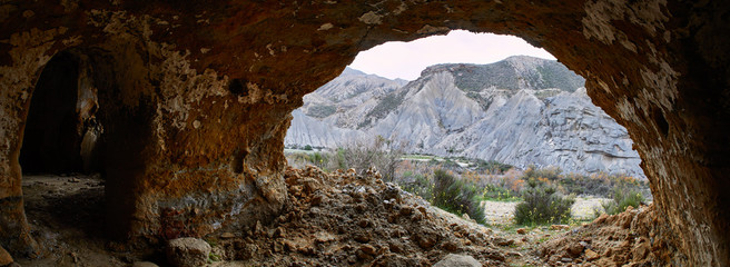 Fototapete - A cave in the desert, Panorama