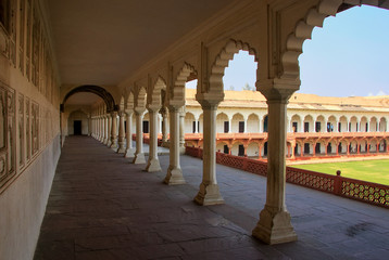 Colonnade walkway leading to Diwan-i- Khas (Hall of Private Audience) in Agra Fort, Uttar Pradesh, India
