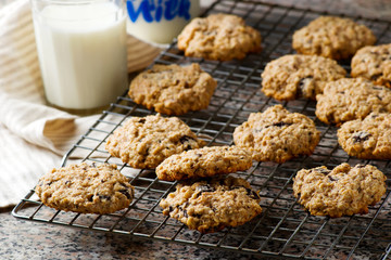 Papiers peints Biscuit oatmeal chocolate chip cookies.style rustic