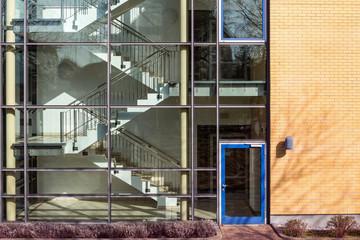 Gebäude Treppenhaus mit Glasscheiben