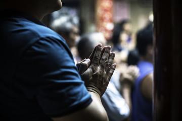 hands of worshipper