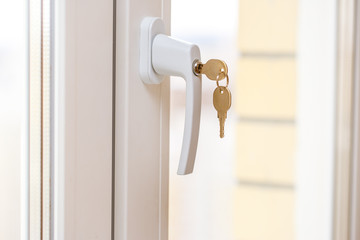 Secure window handle with key