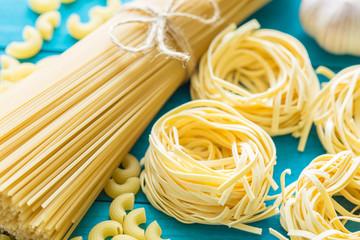 Spaghetti and tagliatelle.