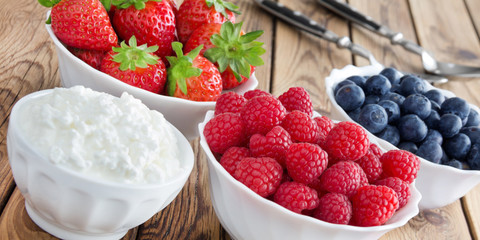Fruits and cottage cheese