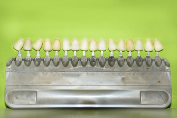 dental implant for choose color tone of teeth