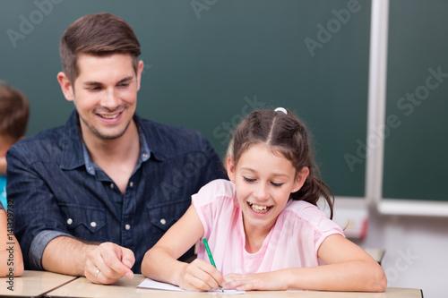 Lehrer Gibt Praktischen Sexunterricht