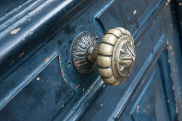 Détail Porte Ancienne Avec Poignée En Bronze