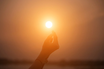 hands-shape for the Sun