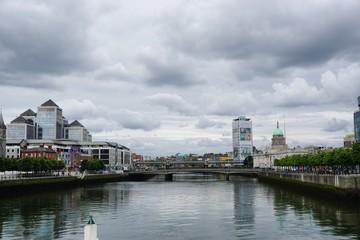 Am Fluss in Dublin, Irland