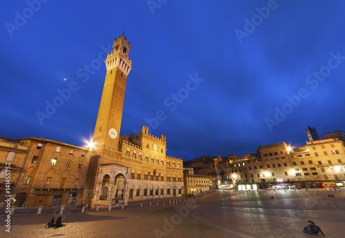 Fototapete Piazza del Campo in the historic center of Siena, Italy