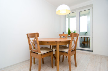 round dining table in the kitchen