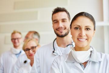 Freundliches Ärzte Team
