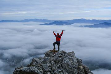 sisli ve puslu havada dağcı başarısı