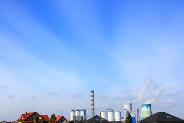 Elektrownia węglowa w Opolu na Brzeziu, dachy domów jednorodzinnych. - fototapety na wymiar