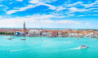 Poster Venetie Venice panoramic aerial view, Piazza San Marco with Campanile and Doge Palace. Italy