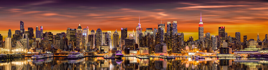 New York City panorama at sunrise. Fotobehang