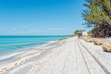 Beach drive along Casey Key