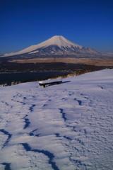 20170322山中湖大平山山頂から雪景色の青空快晴富士山