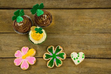 St Patricks Day shamrock on the cupcake with cookies