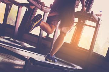 Photo sur Aluminium Fitness People running in machine treadmill at fitness gym