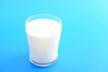 新鮮な牛乳