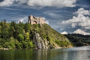 Czorsztyn Castle in Poland Fototapete