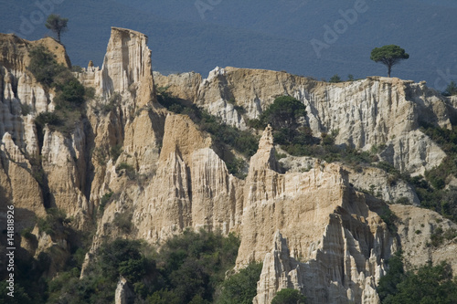 Cheminees De Fees Demoiselles Coiffees Pyrenees Orientales