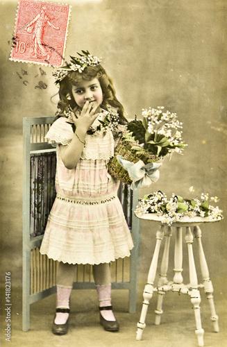 """""""Carte postale ancienne / Le muguet mois de Mai"""" photo libre de droits sur la banque d'images ..."""