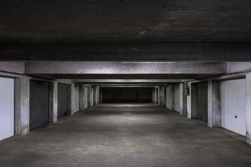 sous sol garage parking hangar béton tunnel place emplacement