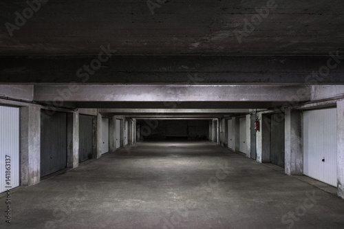 Sous Sol Garage Parking Hangar Beton Tunnel Place Emplacement Stock