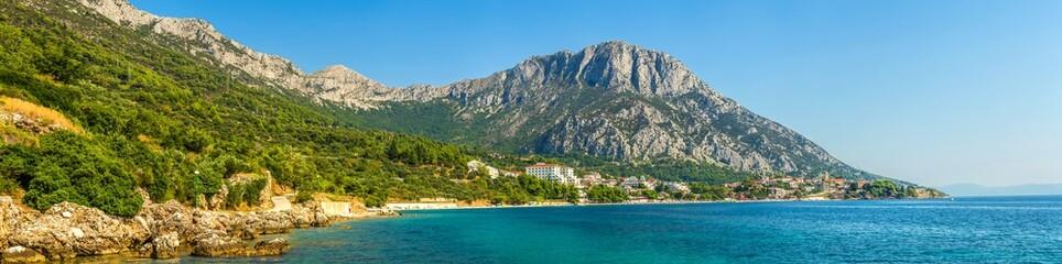 Chorwacja. Krajobraz wybrzeża Makarskeij Riwiery.