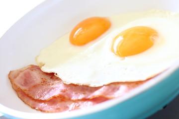 目玉焼き Fried egg
