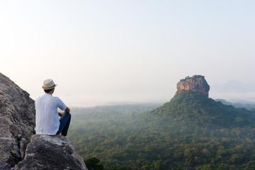 Lever de soleil sur le Lion Rock, Sigiriya, Sri Lanka