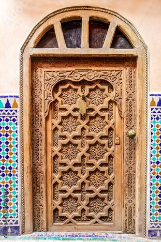 porte décoré maison marocaine\