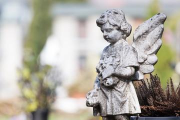 Engelsfigur am Friedhof