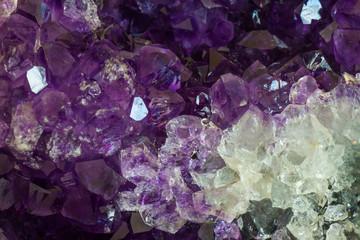Fototapete - Close up Amethyst crystal a semiprecious gem