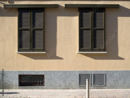Double sliding windows stockfotos und lizenzfreie bilder auf bild 142085587 - Persiane per finestre scorrevoli ...