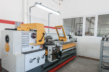 machine and equipment for manufacturing molds for aluminum profiles
