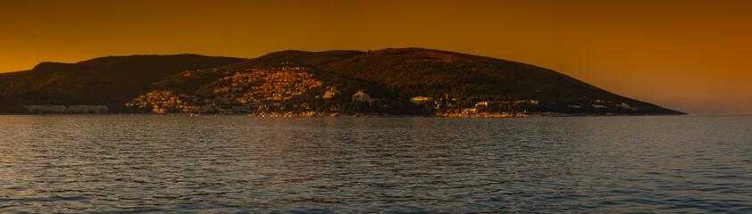 Sonnenuntergang in Rabac im wunderschönen sonnigen Kroatien