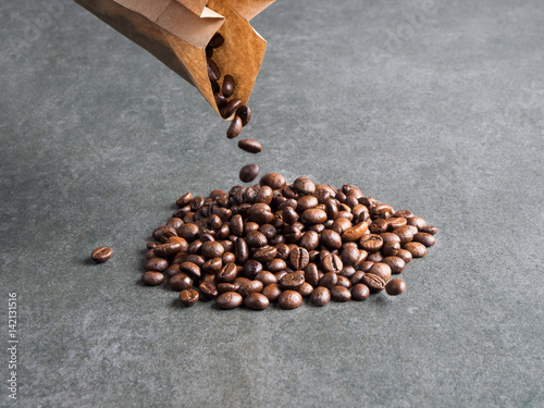 Quot Roasted Coffee Beans Scattered From Paper Bag Over Dark