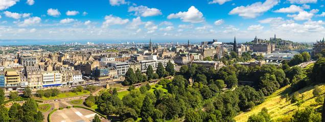 Wall Mural - Panoramic view of Edinburgh, Scotland