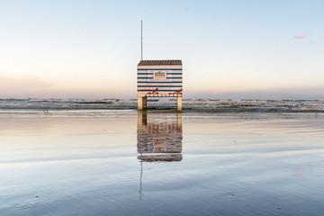 cabanne sur la plage de gruissan
